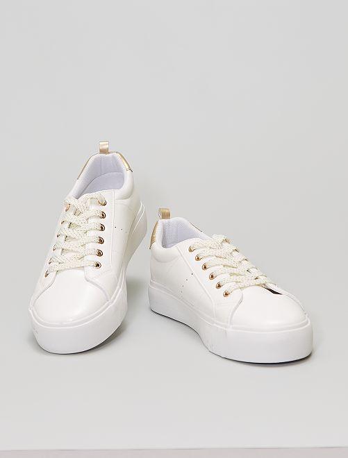 Baskets à lacets semelle épaisse                                         blanc