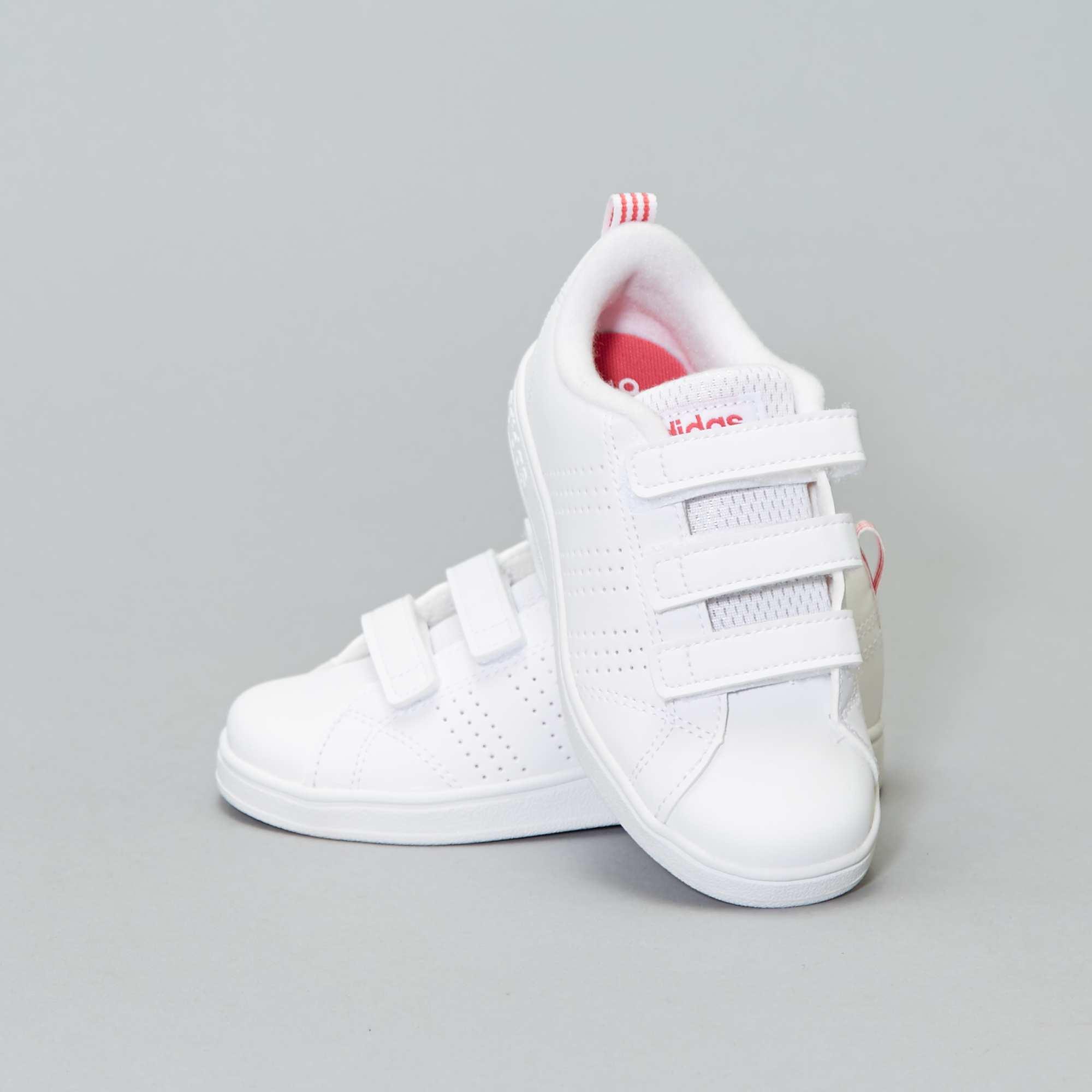 Couleur : BLANC, , ,, - Taille : 29, 30, 32,35,28La finesse et la robustesse vont de paire avec ces baskets 'Adidas' ! - Baskets