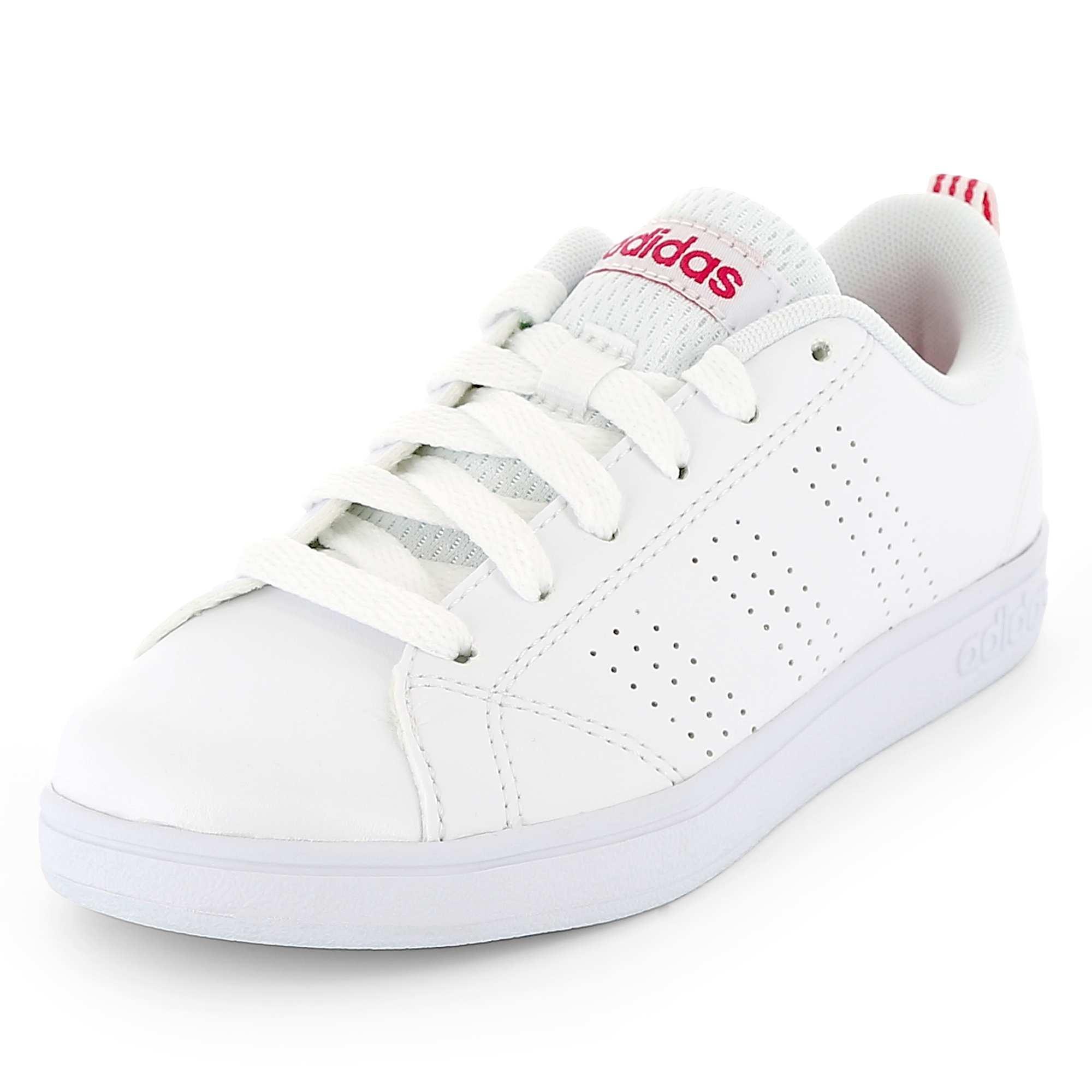Couleur : blanc, , ,, - Taille : 38, 35, 33,36 2/3,30Les basiques intemporels qu'elles aiment, signés 'Adidas'. - Baskets basses en simili