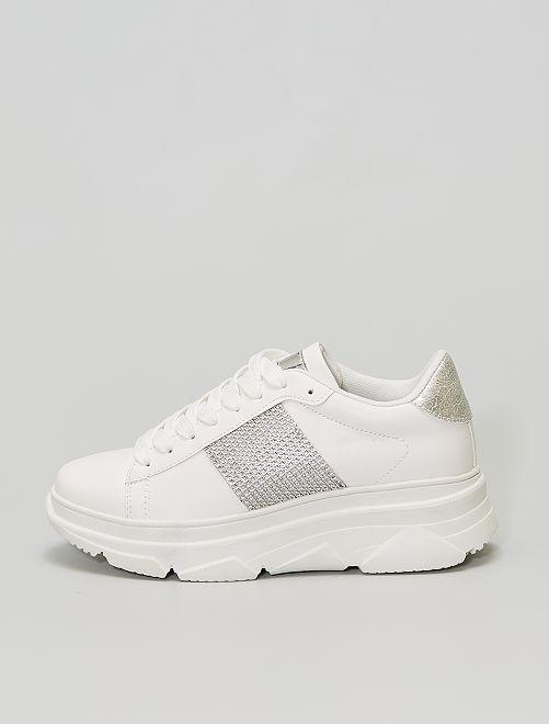 Baskets basses à semelles épaisses                             blanc