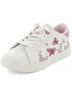 Chaussures fille - Baskets basses avec broderies et imprimés - Kiabi