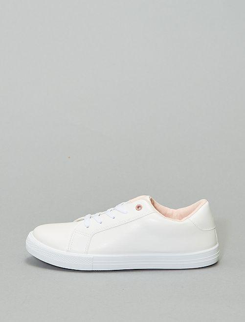 Baskets basses détails contrastants                             blanc