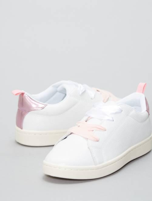 Baskets basses en simili                                         blanc