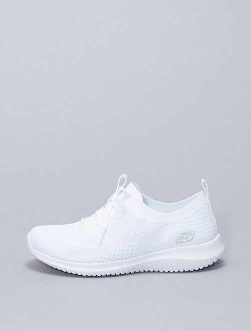 Baskets basses forme chaussons                             blanc
