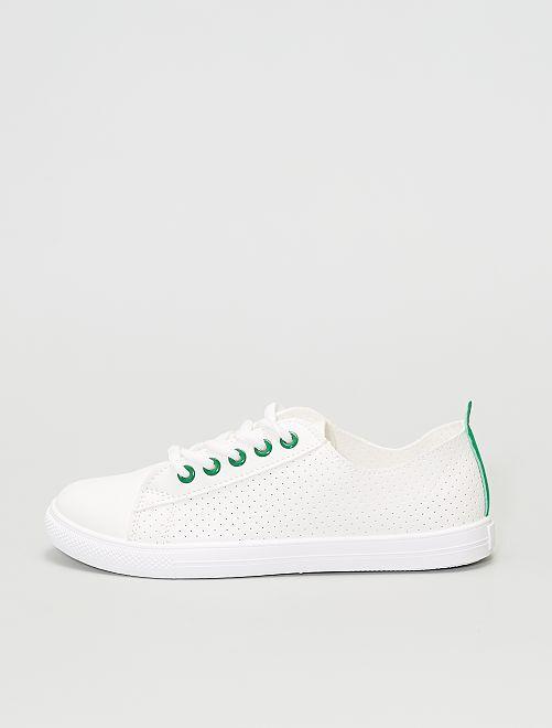 Baskets basses légères perforées                             vert