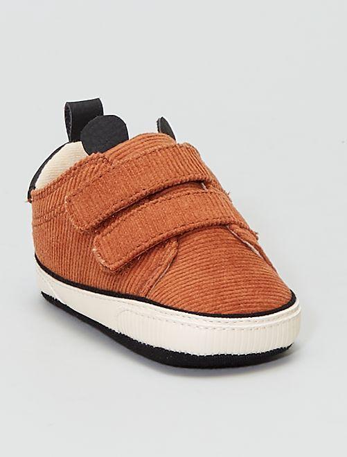 Baskets en velours                             marron