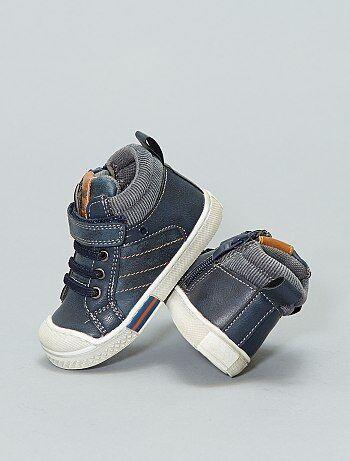 Soldes chaussures et chaussons pour bébé Vêtements bébé   Kiabi 26ba1faddcba