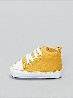 chaussure bebe jaune,chaussure bebe adidas varial mid