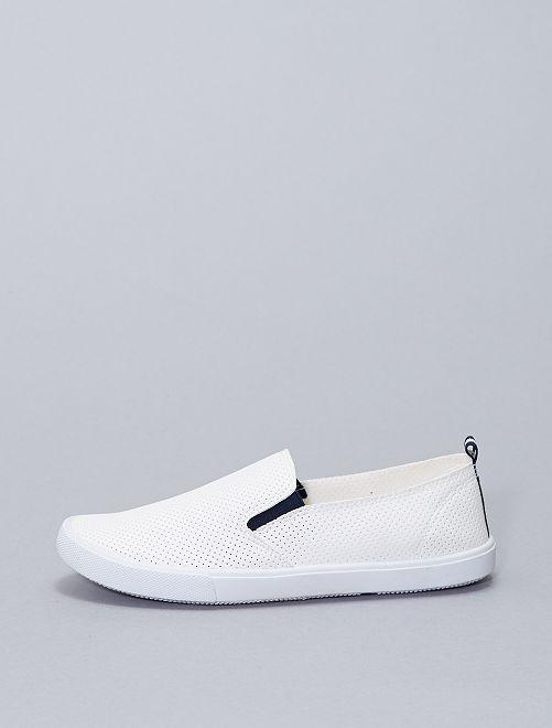 Baskets sans lacets avec perforations fantaisies                             blanc
