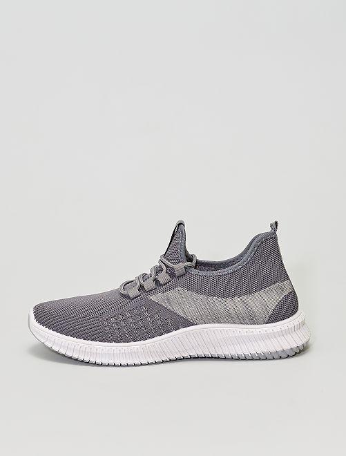 Baskets type running                             gris