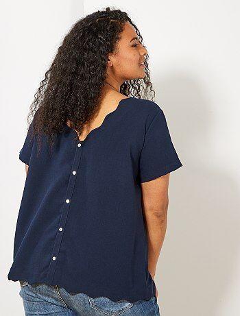 e243ccaa256 Grande taille femme - Blouse avec dos boutonnée et col corolle - Kiabi