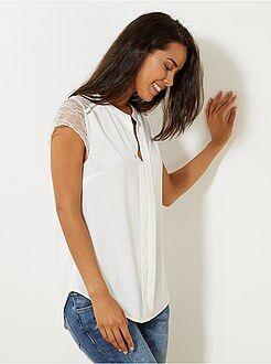 Top, blouse - Blouse fluide en dentelle - Kiabi
