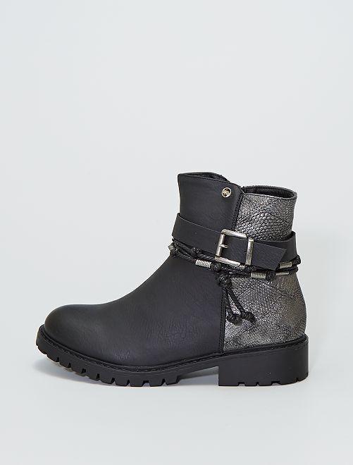 Boots à boucle en simili                             noir