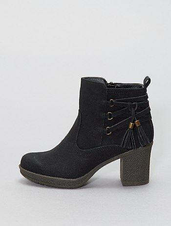 Boots avec pompons - Kiabi