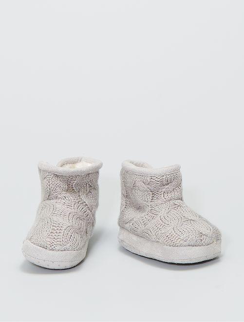 Boots chaussons en tricot fourrées                                         taupe