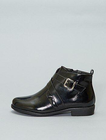 Boots en simili verni