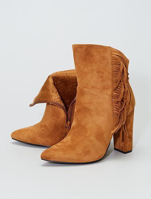 Boots en suédine avec franges                             camel