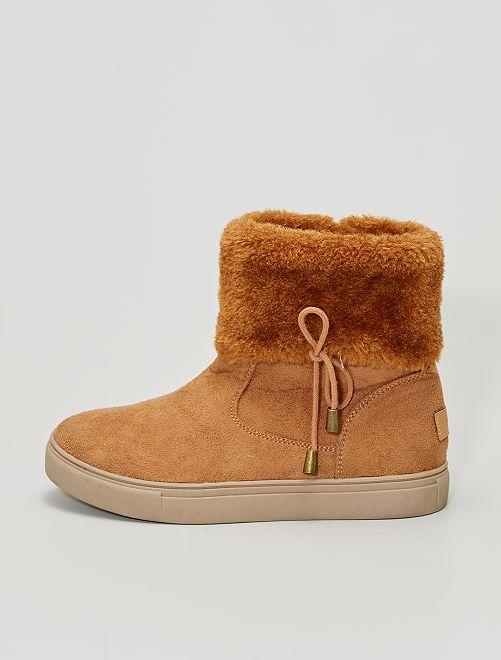 Boots fourrées en suédine                             marron clair