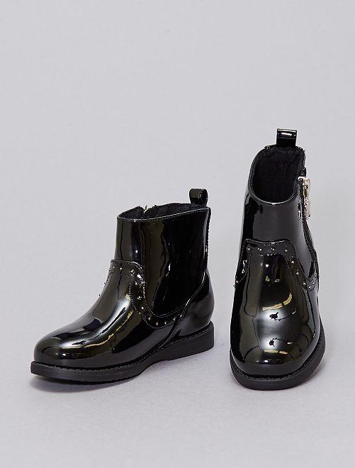 Boots vernies avec clous                             noir