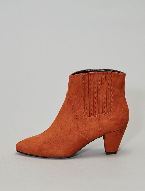 Bottines bouts pointus                                         marron