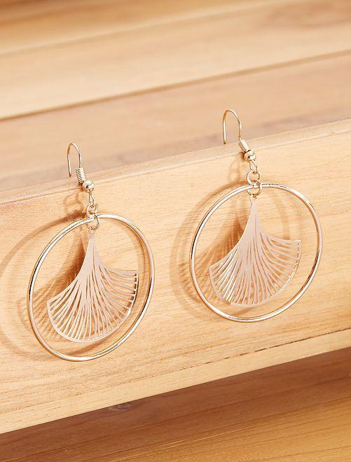 Boucles d'oreilles anneau avec feuille                             doré