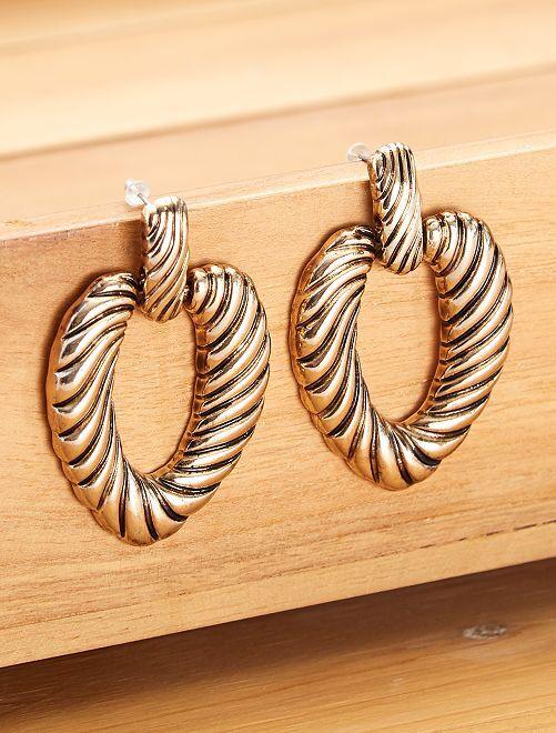 Boucles d'oreilles dorées cœur                             doré