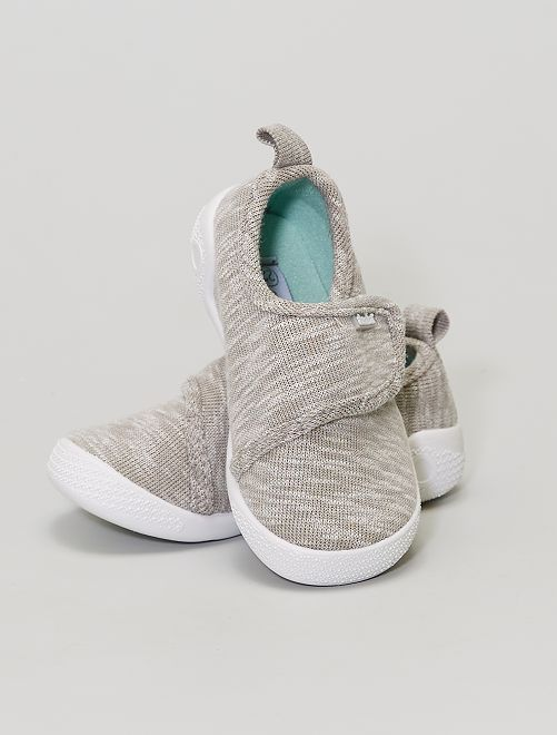 Chaussons 'Absorba'                             gris