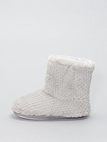 Chaussons boots détails dorés - Kiabi