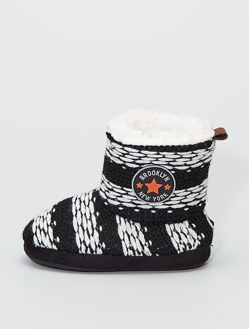 Chaussons boots en tricot                                         rayures