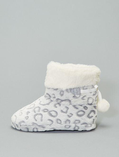 Chaussons bottes fourrés                             gris