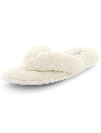Chaussons tongs en peluche - Kiabi