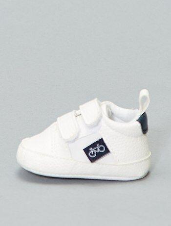 c13bc4ee0fef8 Chaussures et chaussons pour bébé Vêtements bébé