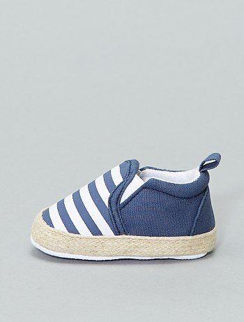 a8c06fc3ab707 Chaussures de bébé pour ses premiers pas Bébé garçon