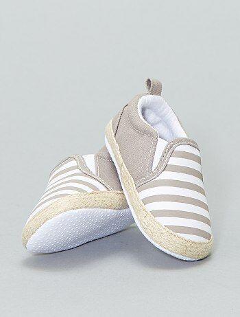083c76b9fbd0 Chaussures de bébé pour ses premiers pas Bébé garçon