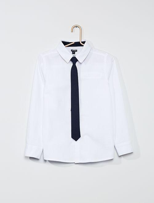 Chemise avec cravate                             blanc