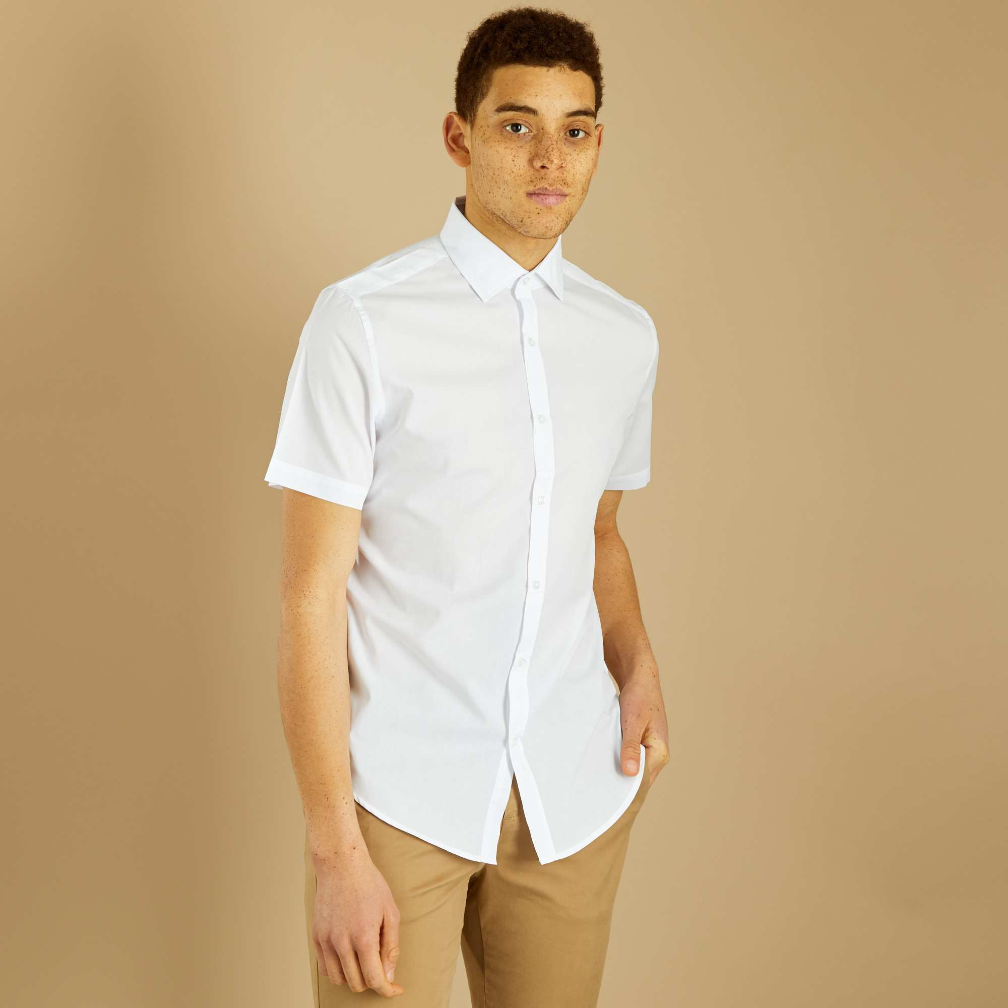 Chemise regular manches courtes blanc Homme. Loading zoom