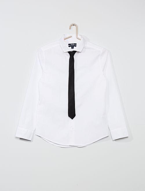 Chemise unie + cravate                             blanc