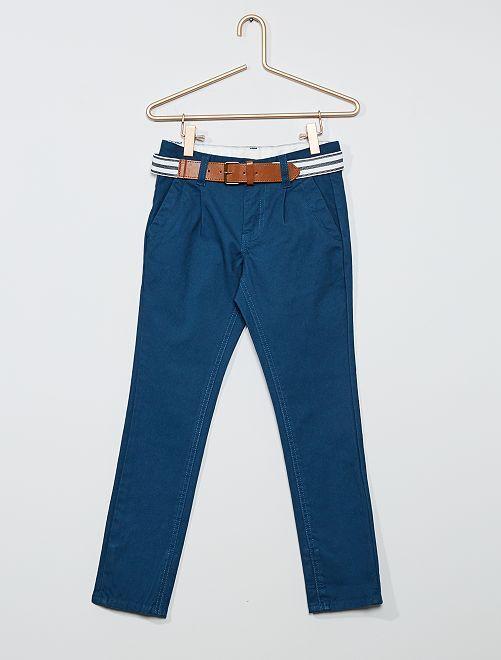 Chino slim + ceinture rayée                                                                             bleu foncé