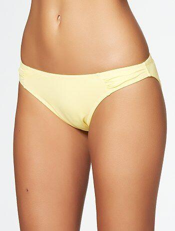 Tailles : L / couleurs : http://static.kiabi.com/images/culotte-de-bain-a-fronces--jaune-mimosa-femme-tp913_3_zc1.jpg