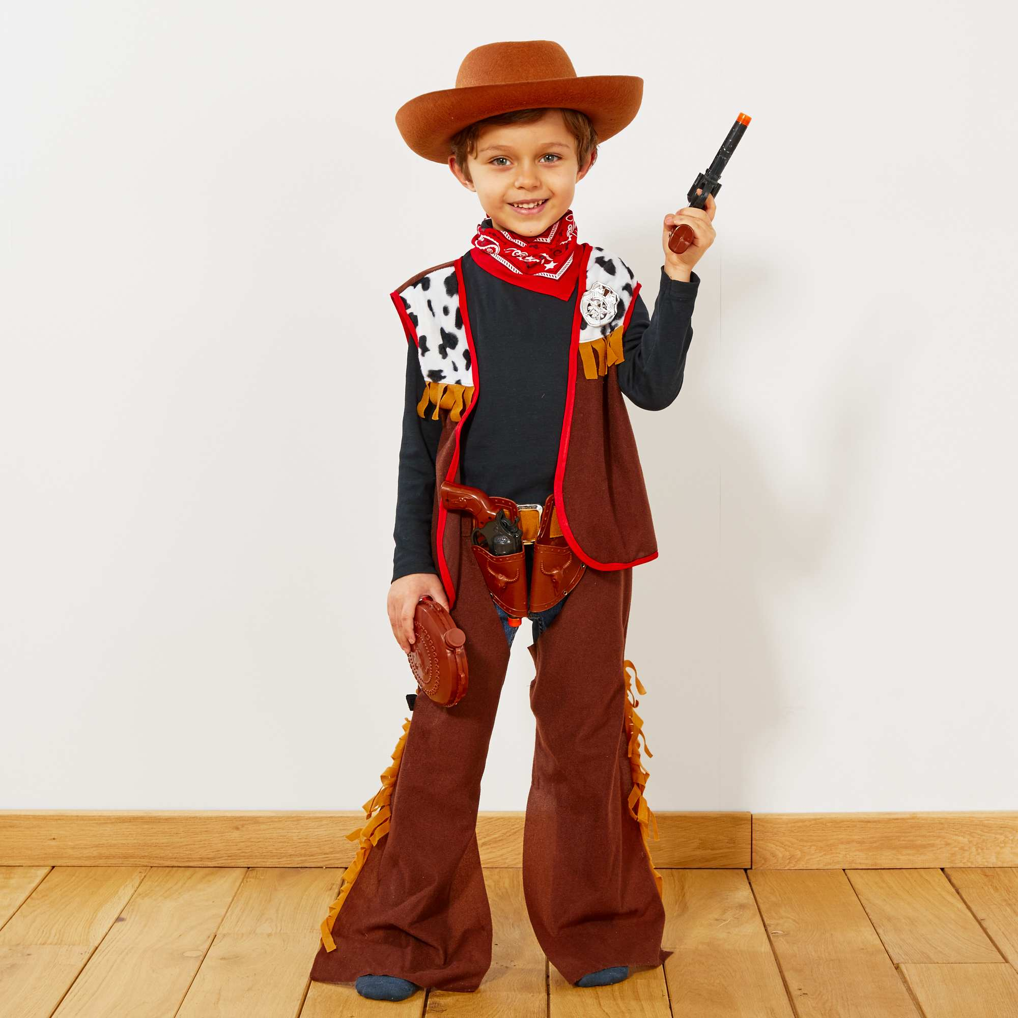 d guisement de cowboy enfant marron kiabi 22 00. Black Bedroom Furniture Sets. Home Design Ideas