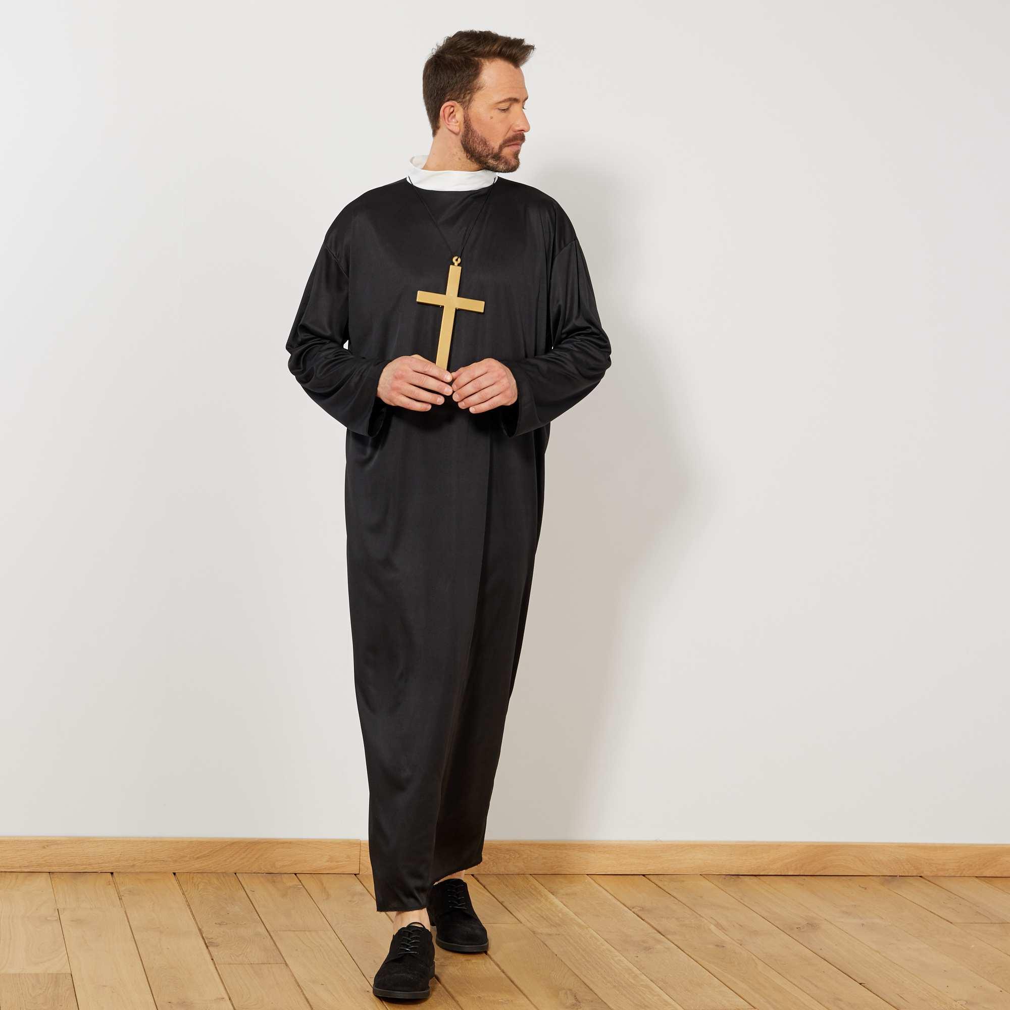 Couleur : noir, , ,, - Taille : M/L, , ,,Entrez dans les ordres le temps d'une soirée costumée avec le déguisement de curé ! Le