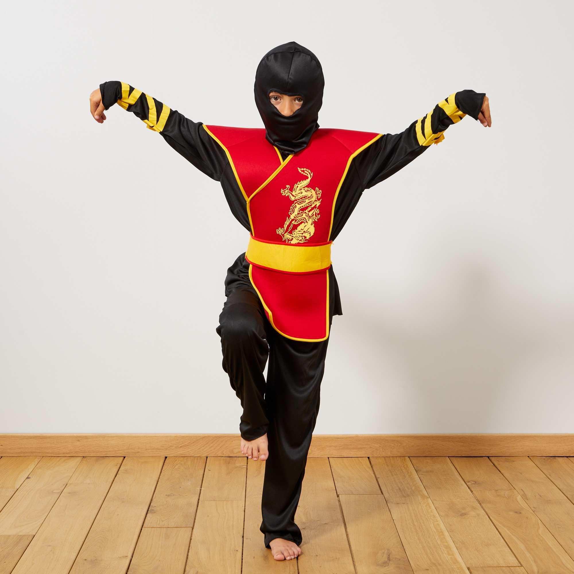 Couleur : noir/rouge, , ,, - Taille : 4/6A, , ,,Un costume qu'il va adorer ! - Déguisement de Ninja - Plastron impirmé devant -