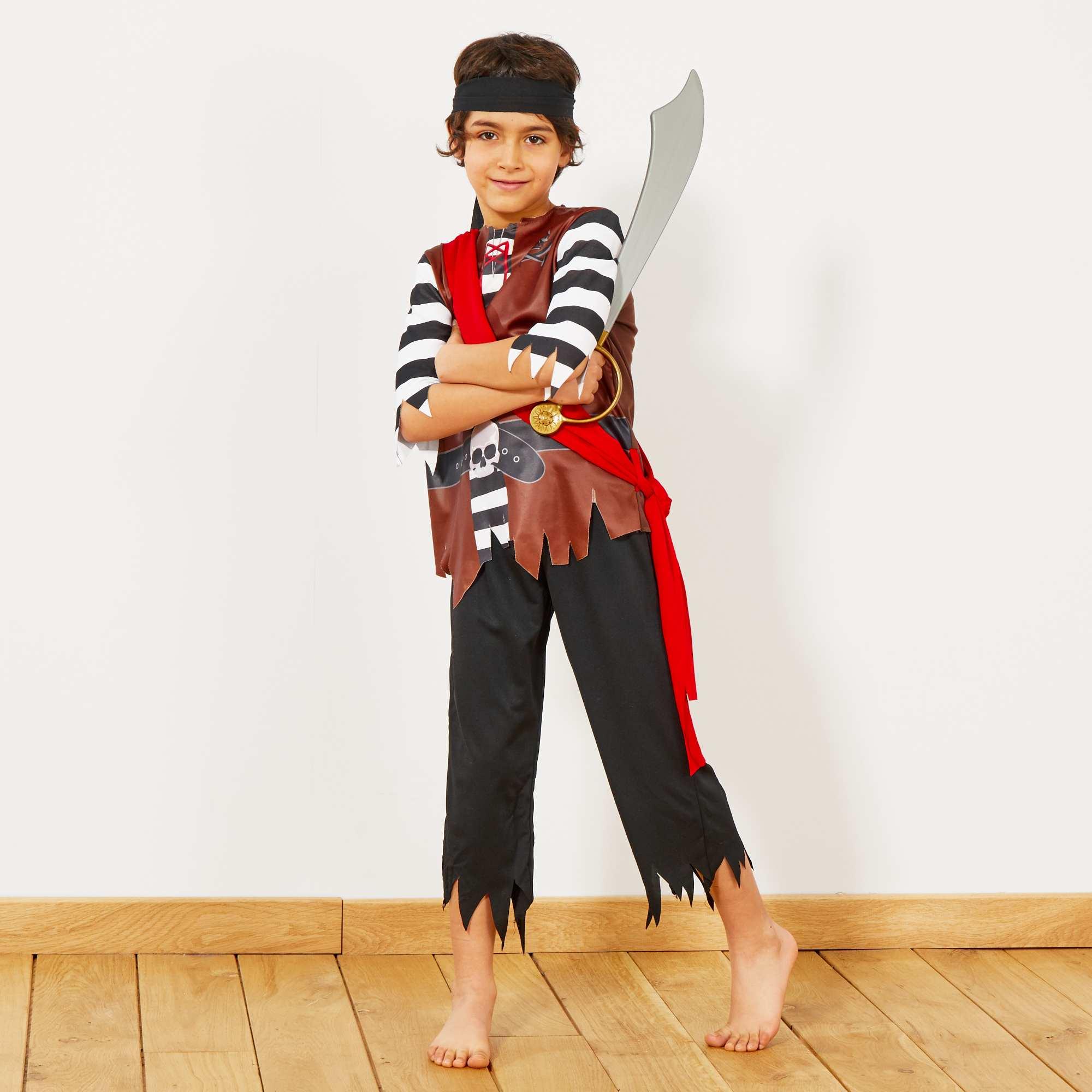 Couleur : noir, , ,, - Taille : 12/14A, 8/10A, 4/6A,,Les trésors et l'aventure l'attendent avec ce déguisement de pirate. - Comprend 1