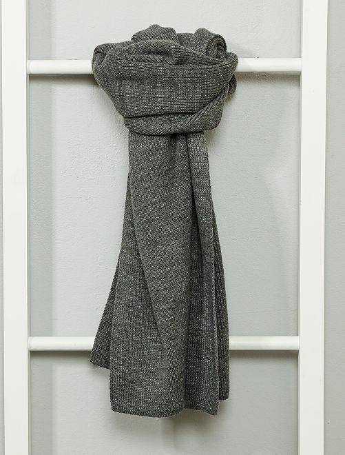Écharpe en maille tricot                                         gris
