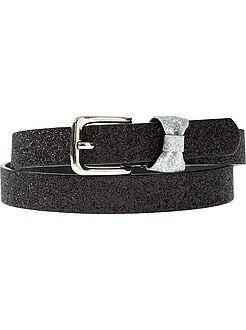 Fine ceinture avec noued fantaisie