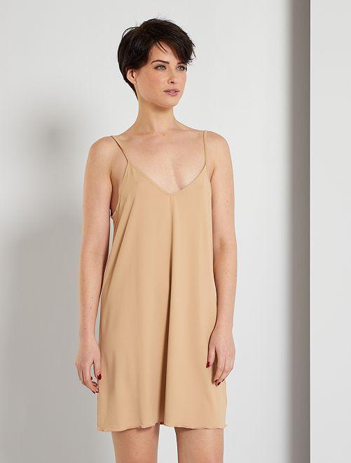 Fond de robe                                         beige