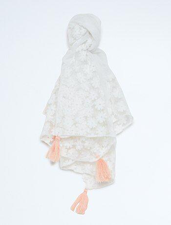 foulard avec fleurs esprit dentelle petite fille kiabi 4 00. Black Bedroom Furniture Sets. Home Design Ideas