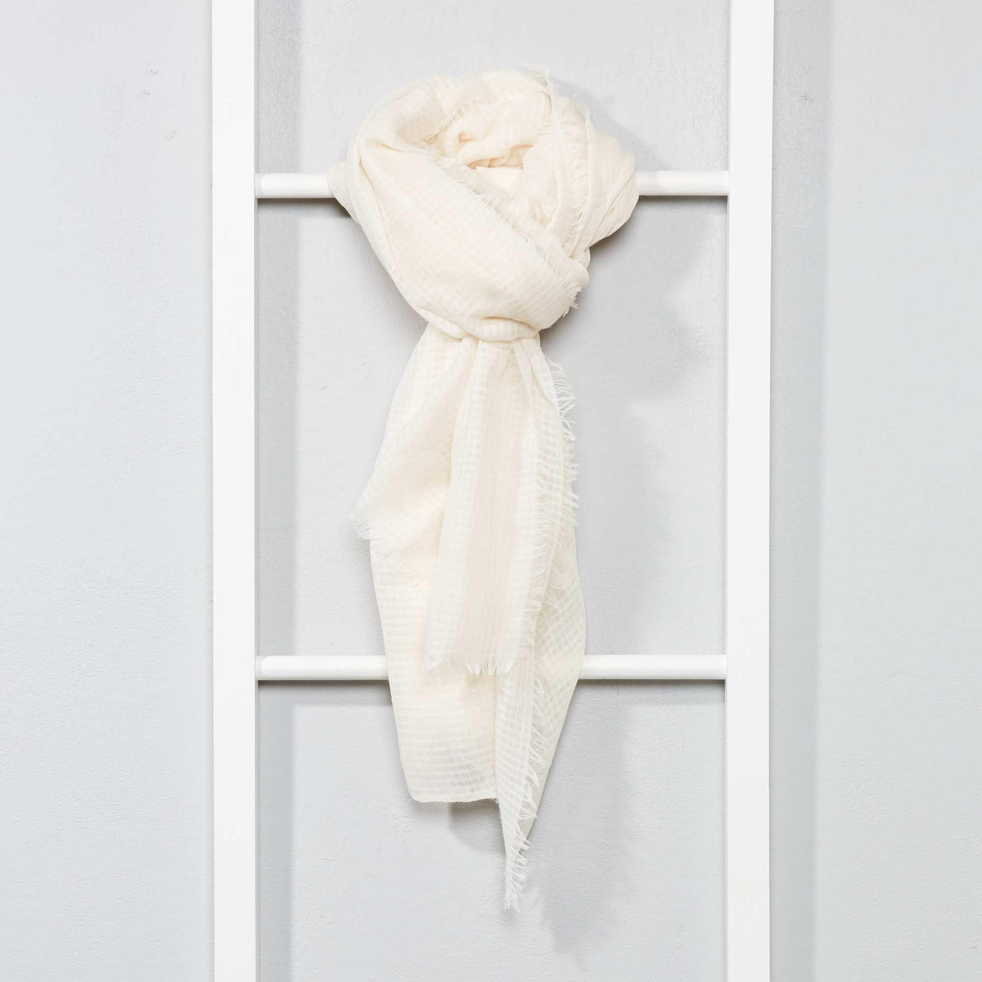 Foulard fluide Femme - beige - Kiabi - 7,00€ 7414d43f3d6