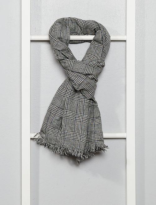 Foulard motif 'Prince-de-galles'                             carreaux