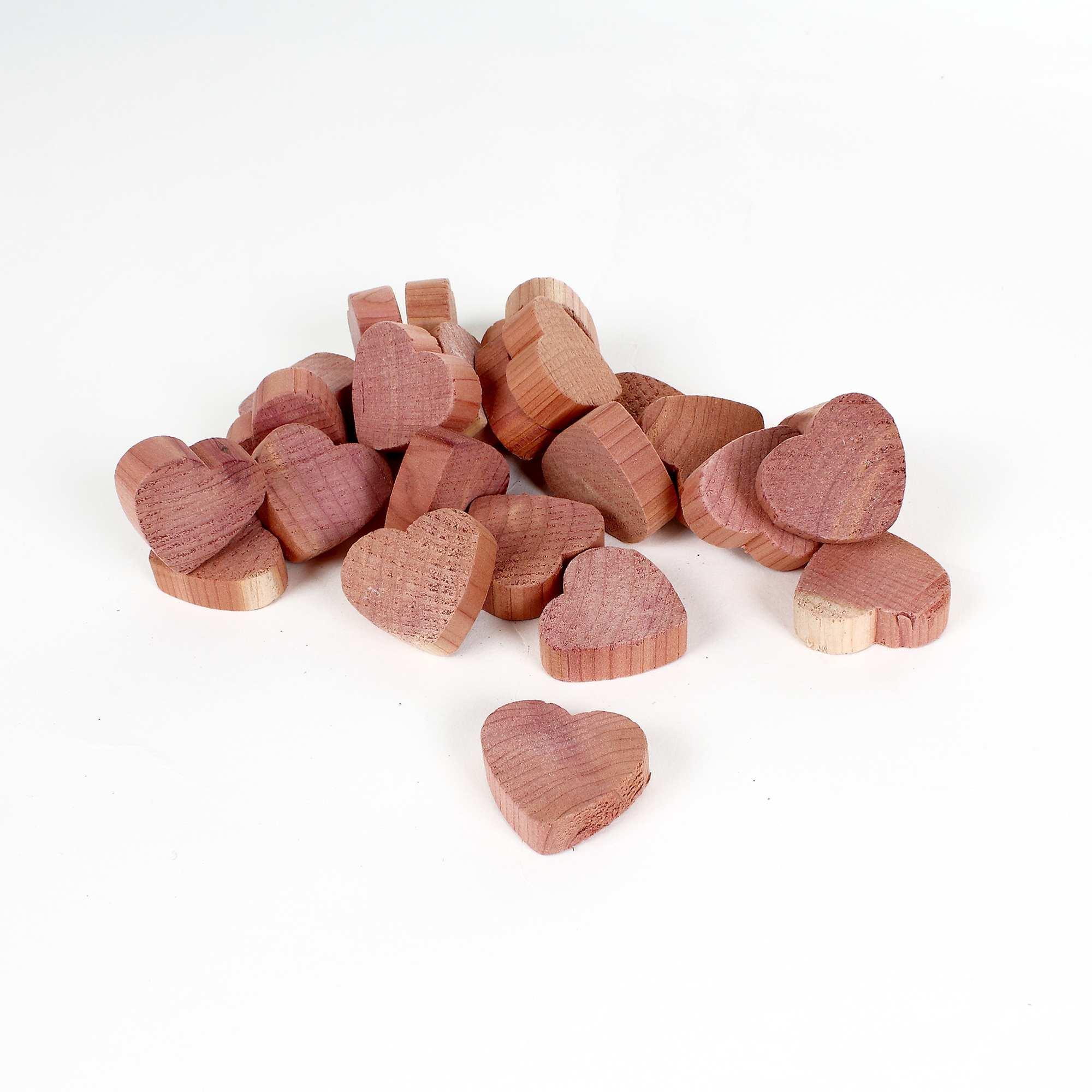Galets'coeurs' en bois de c u00e8dre anti mites Linge de lit rose Kiabi 5,00 u20ac # Traitement Mites Bois